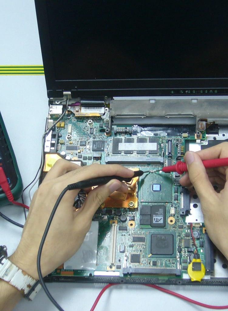 cropped computer repair 2 1
